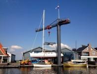 boot uit het water woubrugge jachthaven van wijk